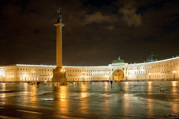 Власти перекроют несколько улиц Петербурга на выходные