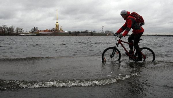 На Петербург обрушится шторм столетия Александр