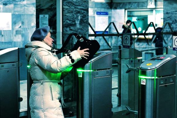 В Смольном обсуждают отказ от жетонов метро