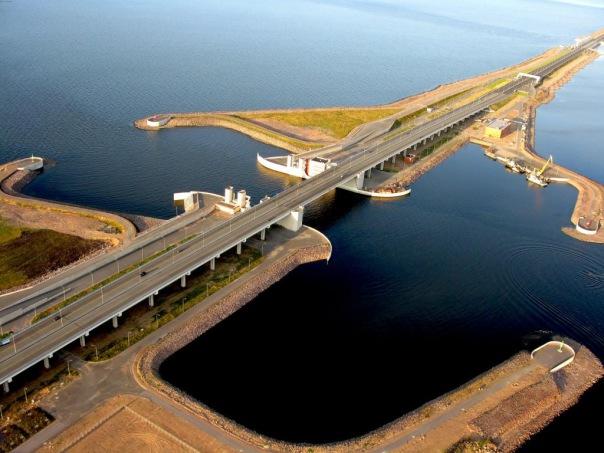 Уровень воды в акватории Финского залива превышен