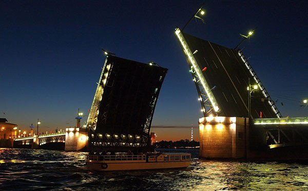 В январе в Петербурге внепланово разведут восемь мостов