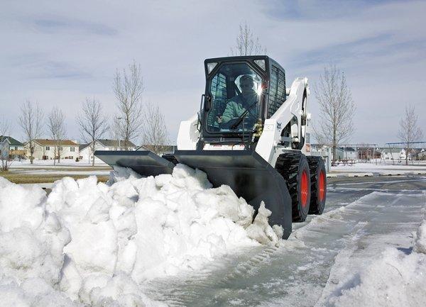 Албин предложил привлечь малый бизнес к уборке снега
