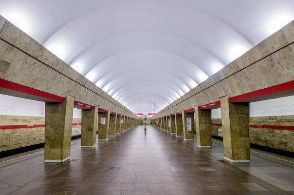 Станция метро Выборгская в Петербурге закроется на 11 месяцев