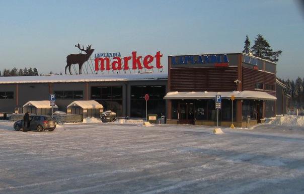 В магазинах у финской границы сохраняются очереди