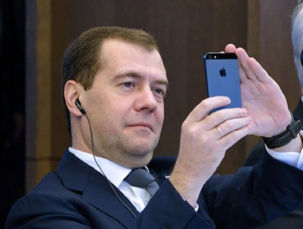 Хакеры оценили переписку Медведева в $114 тысяч