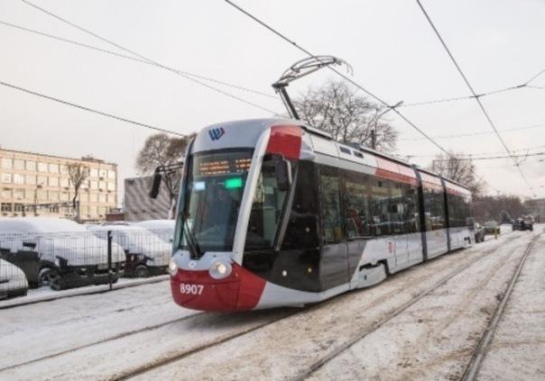 Васильевский остров спасут трамваи с дверьми по обеим сторонам вагона
