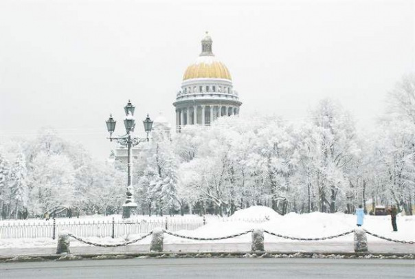 Зима еще не раз вернется в Петербург до конца марта