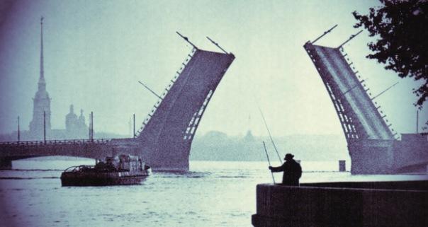 В марте в Петербурге будут разводить восемь мостов