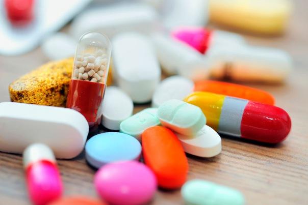 Путин подписал законы о госрегулировании цен на лекарства и имплантаты