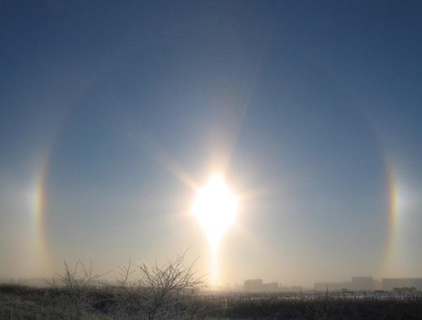 Вокруг мартовского солнца в Сосновом Бору появилась светящаяся аура