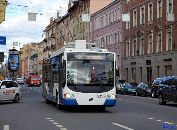 Смольный закупает троллейбусы будущего