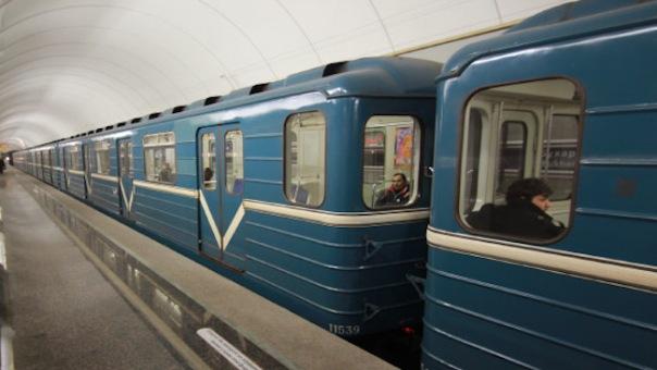Сбой на второй линии метро произошел из-за неисправного состава