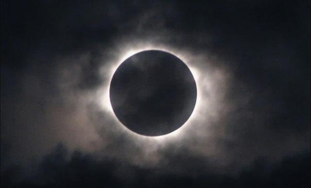 Самое короткое лунное затмение за 100 лет ожидается 4 апреля
