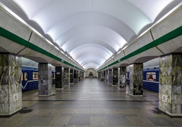Вход на станцию метро Приморская ограничат с 6 апреля до 5 июня