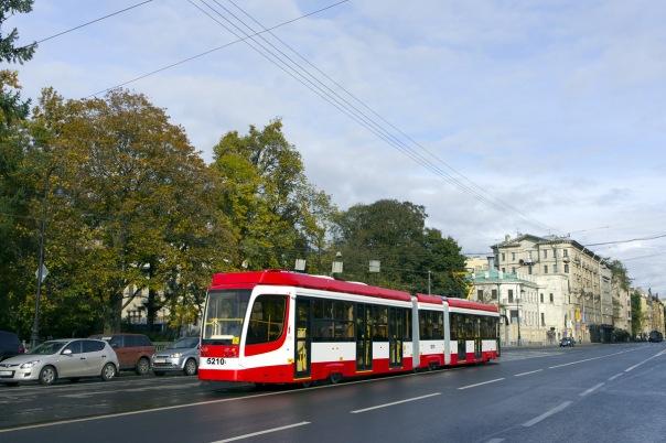 ЛСР запустит частный трамвай в Петербурге не ранее 2017 года