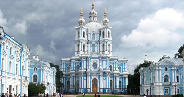 Смольный собор возвращается в пользование РПЦ