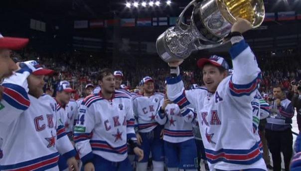 Петербургские хоккеисты впервые в истории завоевали кубок Гагарина