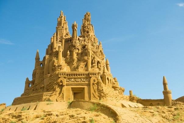 Сказочных героев сделают из песка в двух парках Петербурга