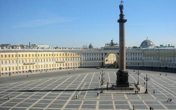 В Праздник весны и труда на Дворцовой площади пройдут массовые гуляния