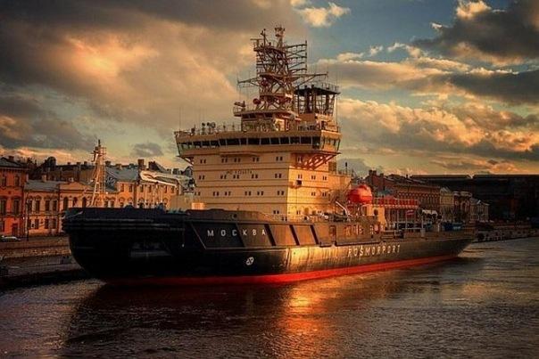 Фестиваль ледоколов, приуроченный к 70-летию Победы