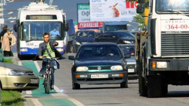 Активисты предлагают запретить велосипедистам ездить в центре города