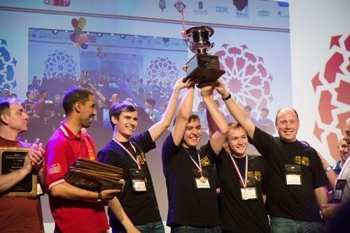 Команда Университета ИТМО стала победителем олимпиады по программированию ACM ICPC 2015