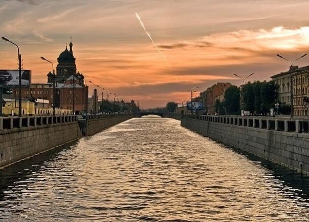 В Смольном изучают возможность навигации по Обводному каналу