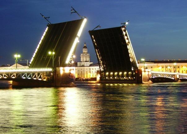 Ленобласть на два пункта обошла Петербург по инвестпривлекательности