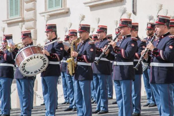 Движение в центре Петербурга 30 июня ограничат из-за военных оркестров