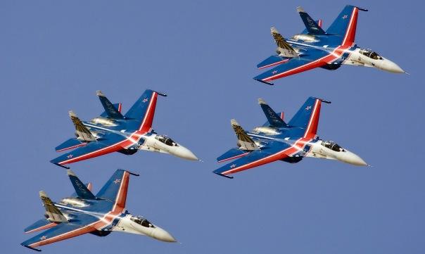 В Петербург прилетели Стрижи и Русские витязи