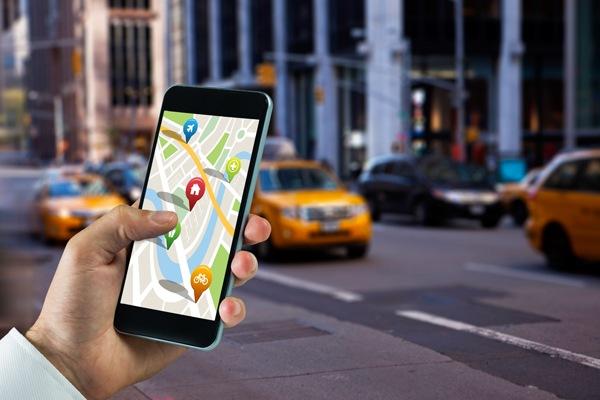 Петербургские таксисты просят губернатора запретить сервисы Uber и GetTaxi
