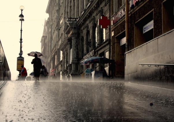 Теплая погода в Петербурге уступит место дождям и прохладе