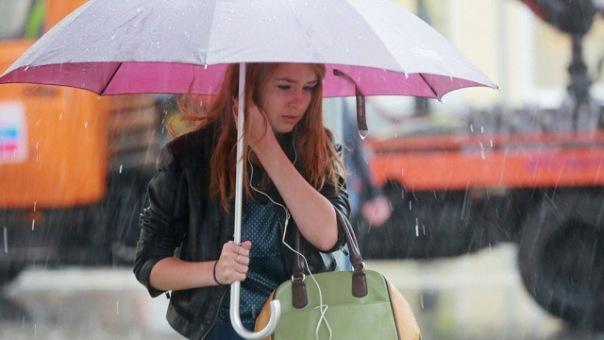 В Петербурге за 2 часа выпало больше половины месячной нормы осадков