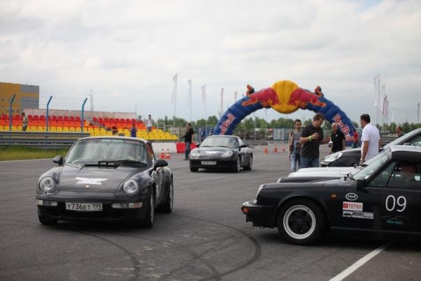 В Петербурге прошел чемпионат немецких машин Porsche
