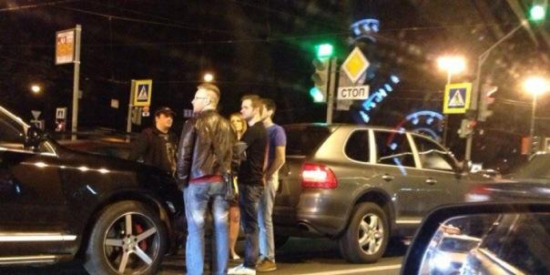 На Московском проспекте столкнулись три Porsche Cayenne