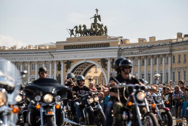 Из-за Harley-Davidson закроют движение в центре