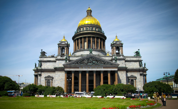 РПЦ обещает сохранить свободный вход в Исаакиевский собор Петербурга