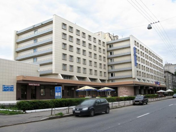 Более 60 человек отравились в отеле Полюстрово в Петербурге