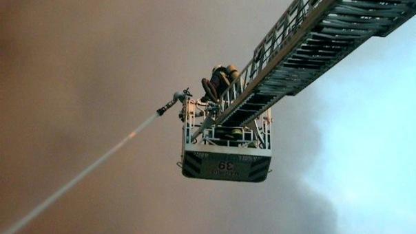 В Петербурге из горящего здания спасли 47 человек
