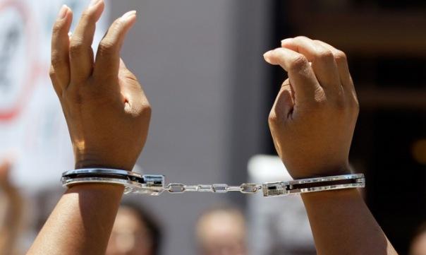 Студентка из Петербурга задержана в Пулково с килограммом наркотиков