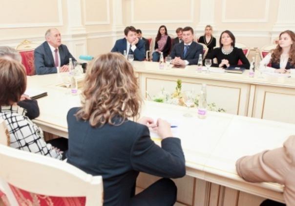 Петербургские студенты смогут пройти стажировку в Смольном