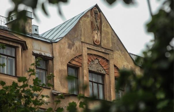 Участники митинга в Петербурге потребовали восстановить Мефистофеля