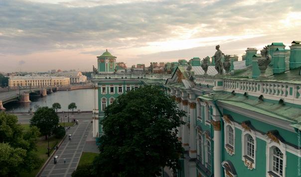 На крыше Эрмитажа буду проводить экскурсии