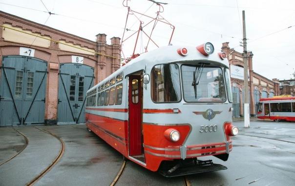 В Петербурге выйдет в рейс ретротрамвай-кафе