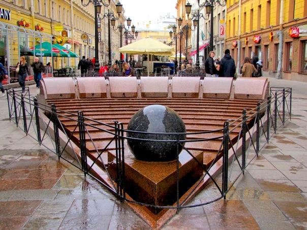 После ремонта фонтан Шар начнет показывать время