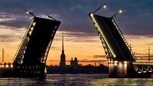 Дворцовый мост ограничат для проезда на четыре дня