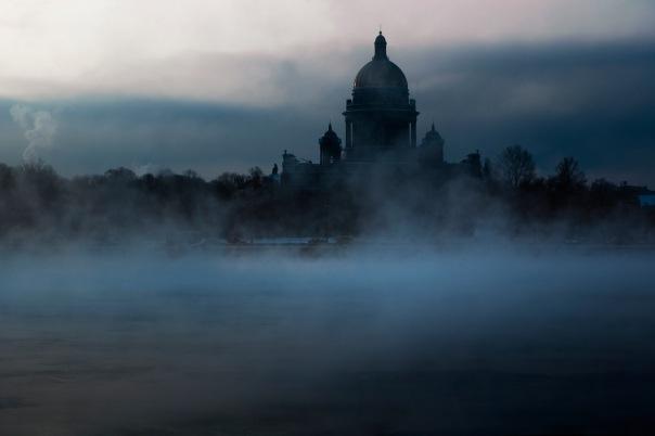 МЧС предупреждает петербуржцев о тумане в ночь на 25 октября