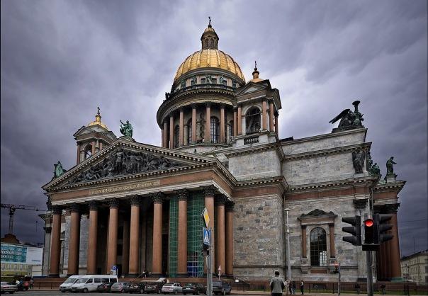 Колокол Исаакиевского собора ударит 224 раза по погибшим в катастрофе