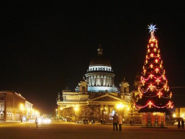 Петроэлектросбыт грозит оставить должников без света на Новый год