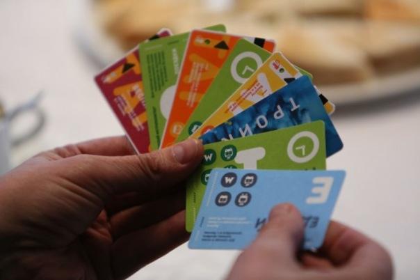 Депутаты хотят заменить жетоны в метро на бумажные карточки